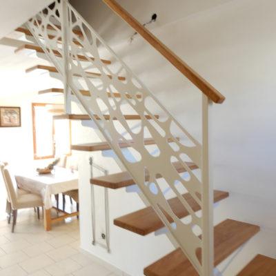 escalier blanc métal bois
