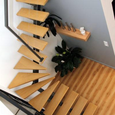 Escalier quart tournant avec marches en chêne EC Design fabricant d'escalier à Vendôme Loir-et-Cher