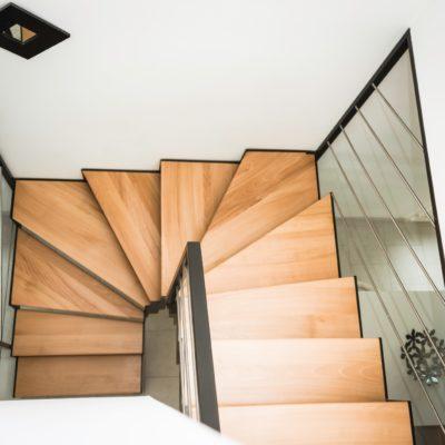 Marche escalier en hêtre Fabricant escaliers Vendôme Loir et Cher