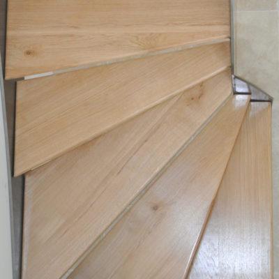 Zoom marche bois Fabricant escaliers Vendôme Loir et Cher