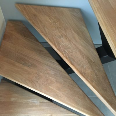 zoom marche bois escalier métal fabricant escaliers Loir-et-Cher Vendôme