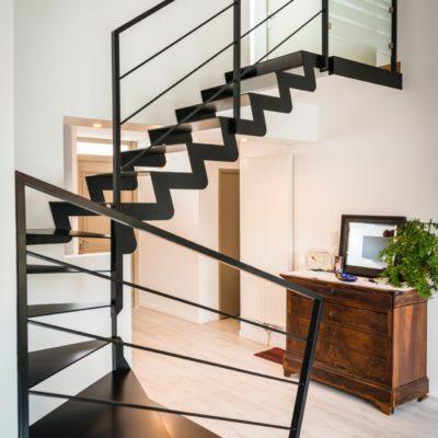 Fabricant d'escaliers métal noir laqué Vendôme Loir et Cher