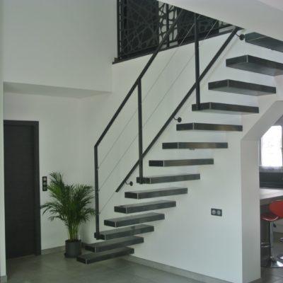 escalier métal encastré noir fabricant escaliers Loir-et-Cher Vendôme