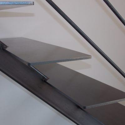 Escalier marche métal brut Loir-et-Cher Vendôme Tours Blois EC DESIGN