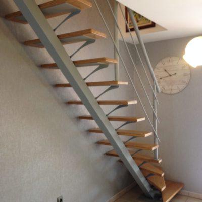 Escalier limon central bois métal alu EC Design fabricant d'escalier à Vendôme Loir-et-Cher