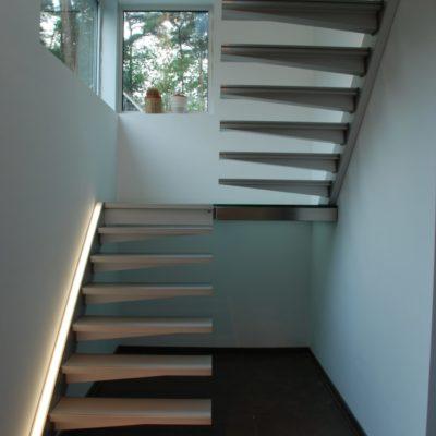 Escalier solitaire graah blanc avec leds fabricant d'escalier Loir-et-Cher Vendôme