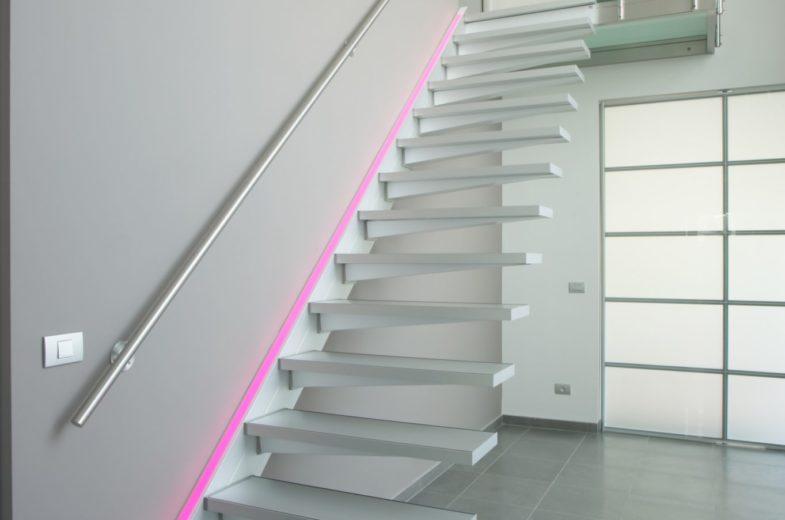 Escalier solitaire graah blanc fabricant d'escalier Loir-et-Cher Vendôme