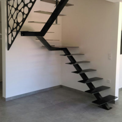 Escalier avec filet de lecture