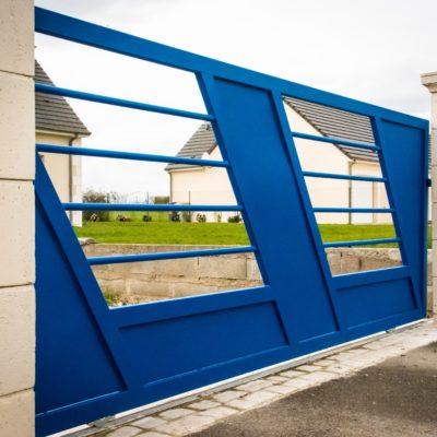 portail design acier bleu vendome EC Design Vendôme Loir-et-Cher