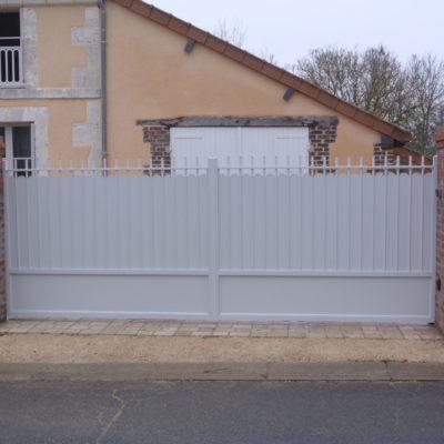 portail en aluminium fabricant vendome EC Design Vendôme Loir-et-Cher